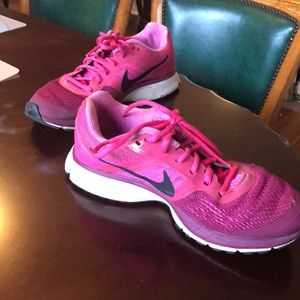 Hot pink Nike Zooms in size 7.5